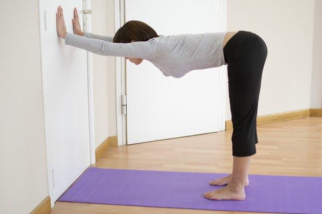 5 Yoga Exercises To Strengthen Impingement Shoulder ...